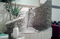 Waschbecken aus Mosaik inkl. Herstellung eines Waschtisches – Planung, Herstellung, Verkleidung mit Fliesen und Mosaik