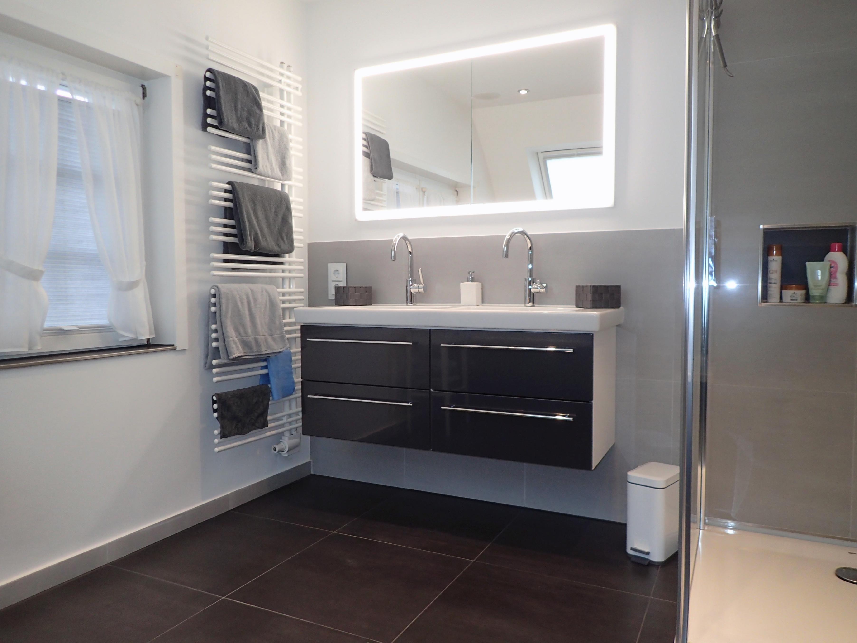 Badfliesen sind die Basis des Badezimmers und haben einen entscheidenden Einfluss auf die Raumstimmung.